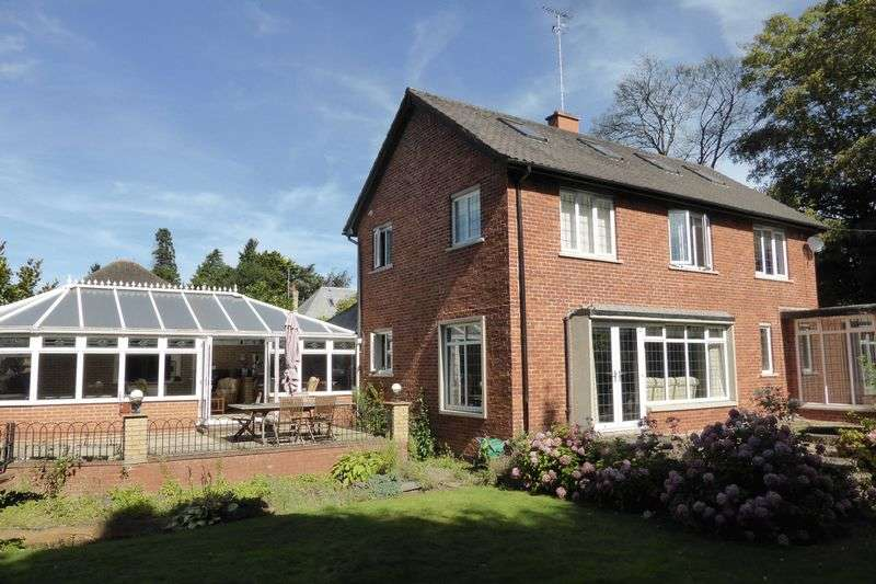 3 Bedrooms Detached House for sale in Clarkson Avenue, Wisbech, Cambridgeshire