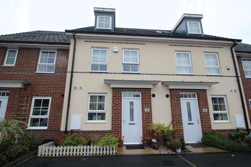 3 Bedrooms Mews House for sale in Omrod Road, Heywood OL10 1FQ