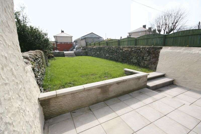 3 Bedrooms Terraced House for sale in Kings Road, Holyhead, Anglesey