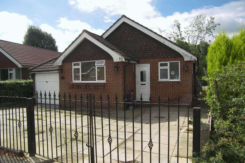 3 Bedrooms Detached Bungalow for sale in Forge Drive, Claygate