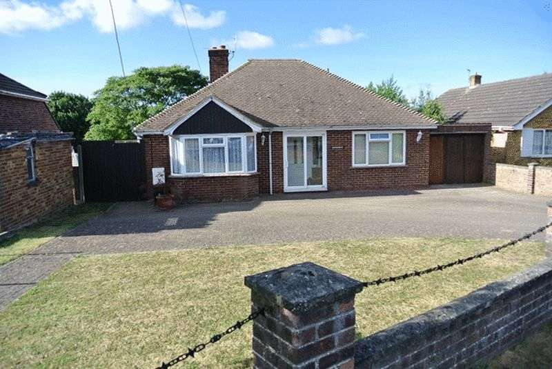 2 Bedrooms Detached Bungalow for sale in Downs Road, East Studdal