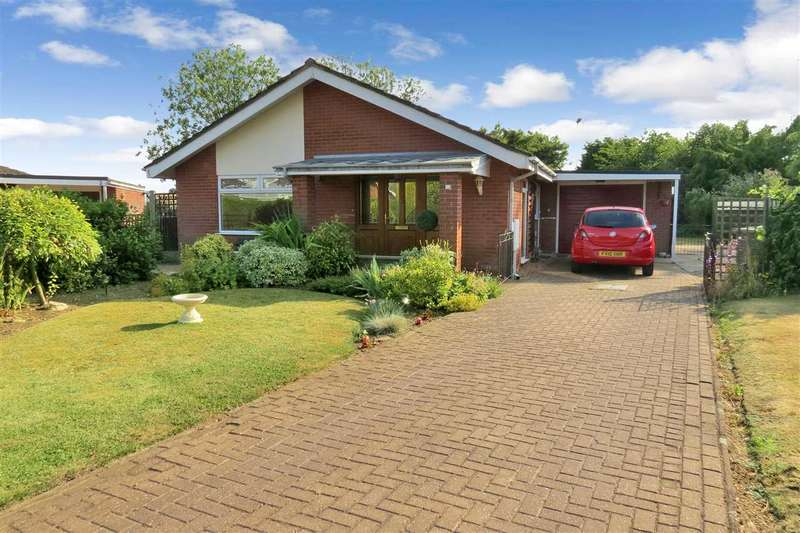 3 Bedrooms Detached Bungalow for sale in Priory Close, Ruskington