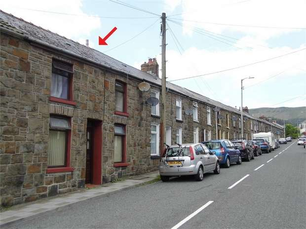 3 Bedrooms Terraced House for sale in Dinam Street, Nantymoel, Bridgend, Mid Glamorgan