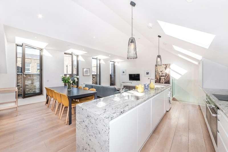 3 Bedrooms Maisonette Flat for sale in Gosfield Street, Fitzrovia, London, W1W