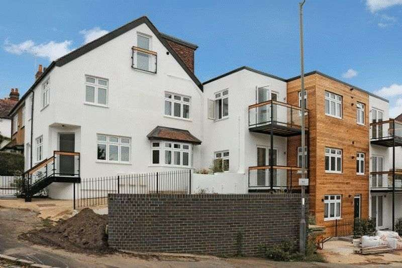 1 Bedroom Flat for sale in Pinions Road, High Wycombe