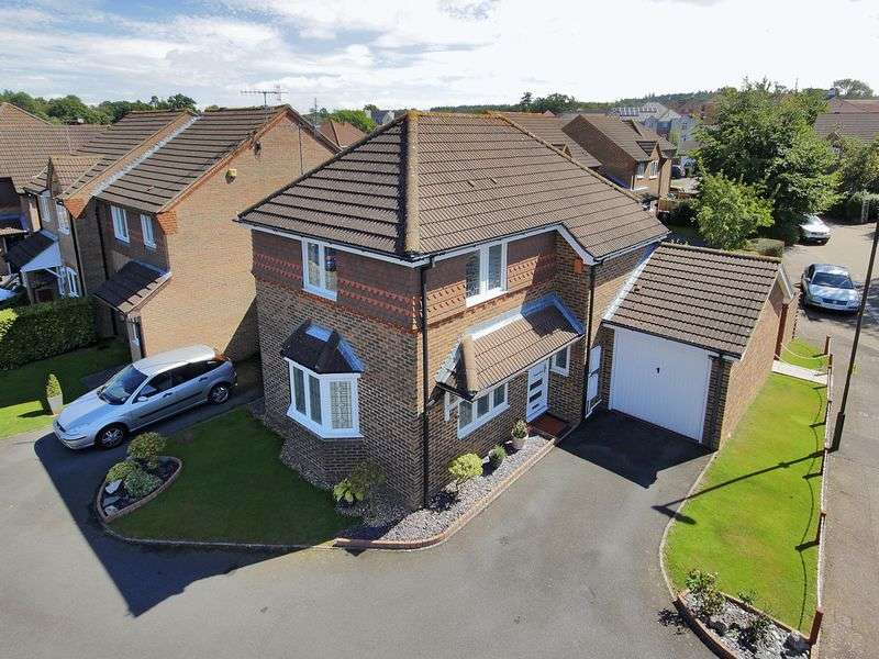 3 Bedrooms Detached House for sale in Benjamin Road, Maidenbower, Crawley, West Sussex
