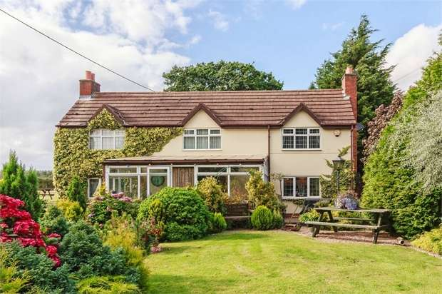 4 Bedrooms Detached House for sale in Coughton Hill, Coughton, Alcester, Warwickshire
