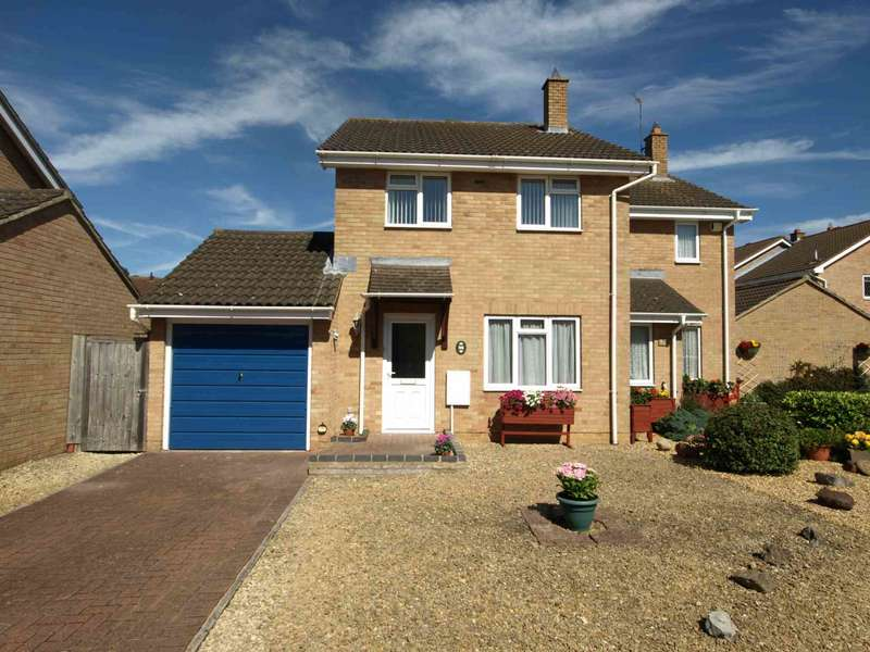 3 Bedrooms Semi Detached House for sale in 96 Lyneham Road, Bicester, OX26 4FD