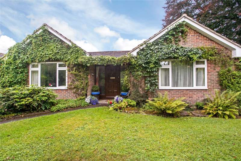 4 Bedrooms Detached House for sale in Hillside Close, Winchester, Hampshire, SO22