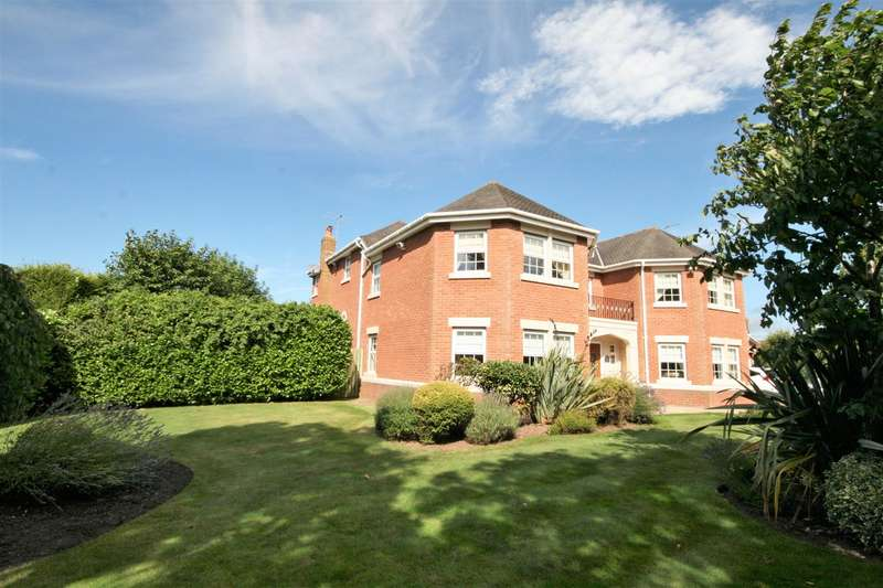 5 Bedrooms Property for sale in Regent Avenue, Lytham