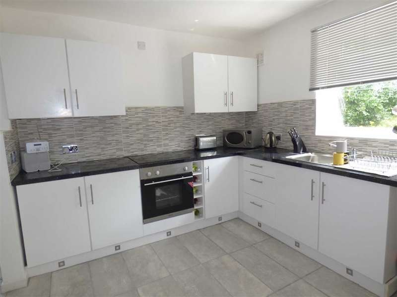 3 Bedrooms Property for sale in Mosedale Road, Middleton, Manchester, M24