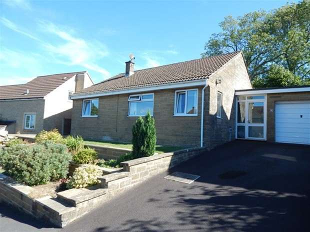 3 Bedrooms Detached Bungalow for sale in Hallett Road, Castle Cary