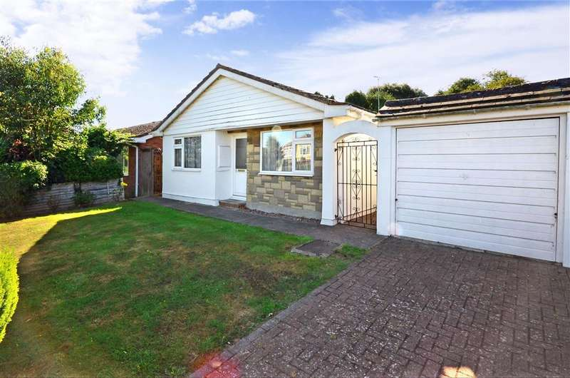 3 Bedrooms Bungalow for sale in Hogarth Close, Herne Bay, Kent