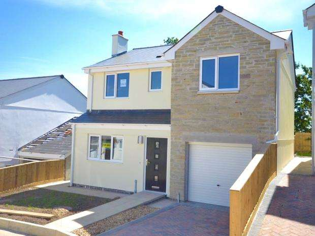 4 Bedrooms Detached House for sale in Glendorgal, Cemetery Road, Drakewalls, Gunnislake