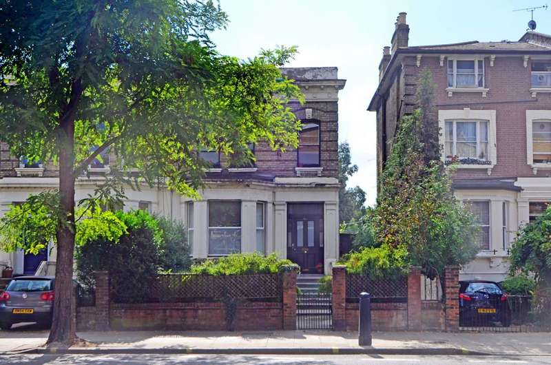 2 Bedrooms Flat for sale in Uxbridge Road, Shepherd's Bush, W12