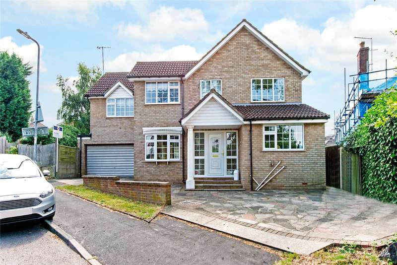 5 Bedrooms Detached House for sale in Catsey Lane, Bushey, WD23