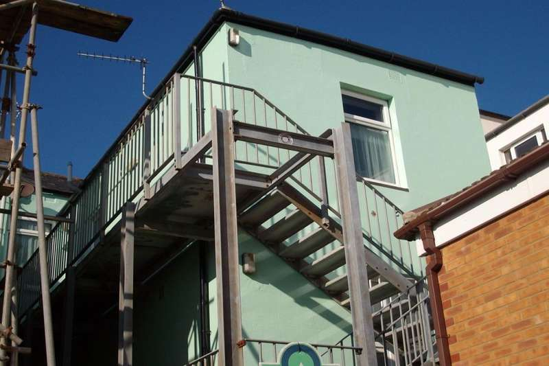 1 Bedroom Flat for sale in High Street, Bognor Regis, PO21