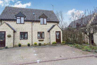 2 Bedrooms Semi Detached House for sale in Folly Field, Bourton-on-the-Water, Cheltenham