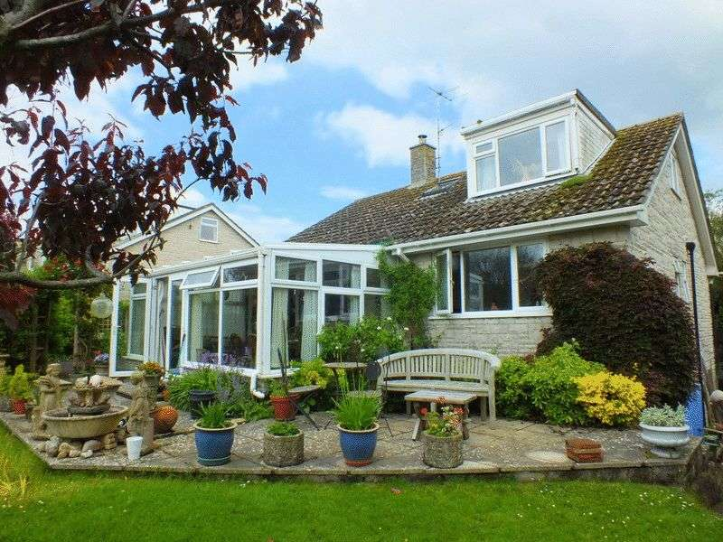 4 Bedrooms Detached Bungalow for sale in Gardenside, Higher Sea Lane, Charmouth