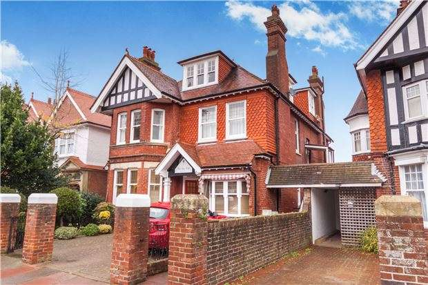 4 Bedrooms Flat for sale in Arlington Road, EASTBOURNE