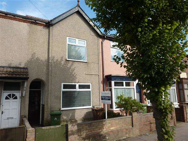3 Bedrooms Terraced House for sale in LEGSBY AVENUE, GRIMSBY
