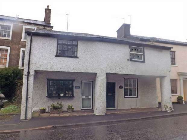 3 Bedrooms Semi Detached House for sale in The Square, Burton, Carnforth, Cumbria