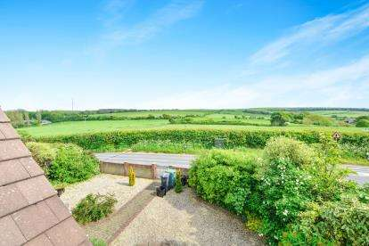 4 Bedrooms Detached House for sale in Calbourne, Newport, Isle Of Wight