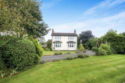 3 Bedrooms Detached House for sale in London Road, Allostock, Knutsford, Cheshire