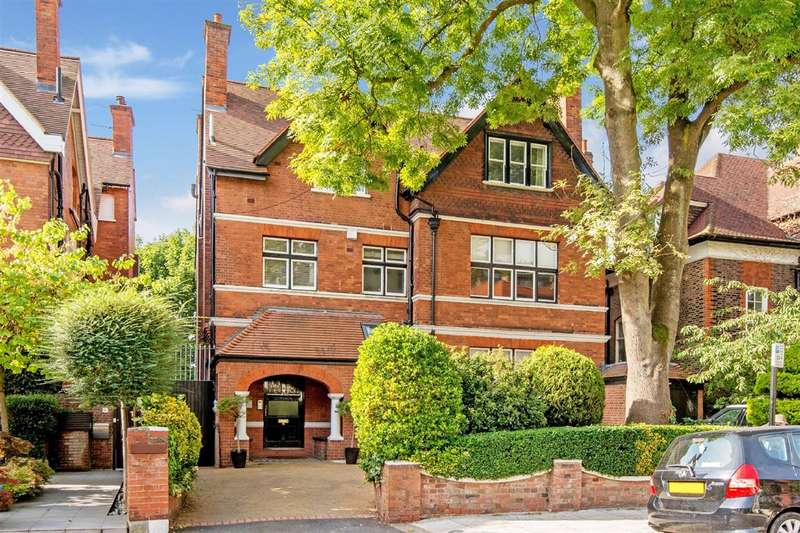 3 Bedrooms Flat for sale in Lindfield Gardens, Hampstead, NW3