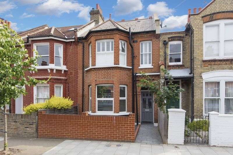 2 Bedrooms Flat for sale in Mantilla Road, Tooting Bec