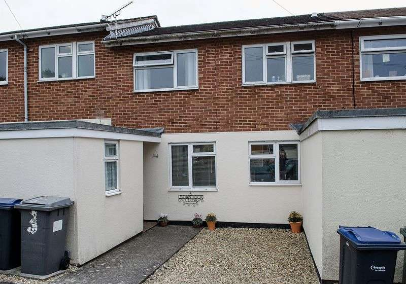 2 Bedrooms Terraced House for sale in Quantock Close, Warminster