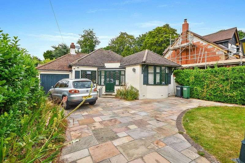 2 Bedrooms Detached Bungalow for sale in Warren Road, Nork, Banstead