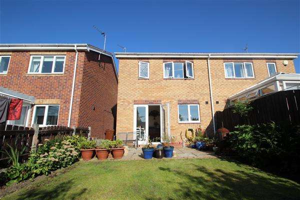 3 Bedrooms Semi Detached House for sale in Northfield Meadows, South Kirkby