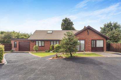 4 Bedrooms Bungalow for sale in School Lane, Rainhill, Prescot, Merseyside, L35