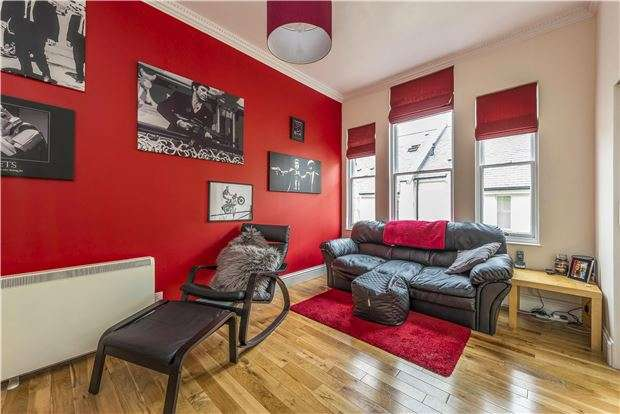 2 Bedrooms Flat for sale in Great Stanhope Street, BATH, Somerset, BA1