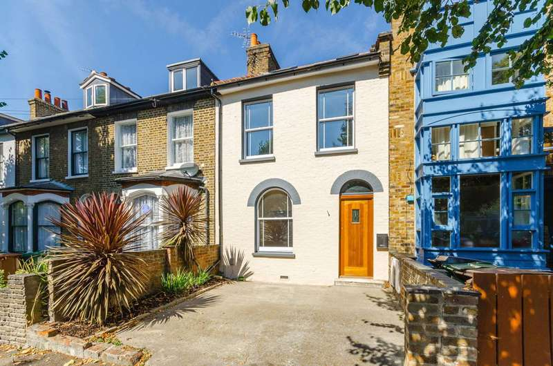 3 Bedrooms House for sale in Grosvenor Park Road, Walthamstow Village, E17