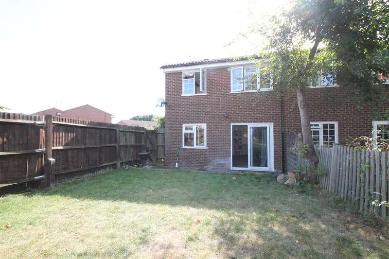 3 Bedrooms Property for sale in Elm Way, Friern Barnet, London N11