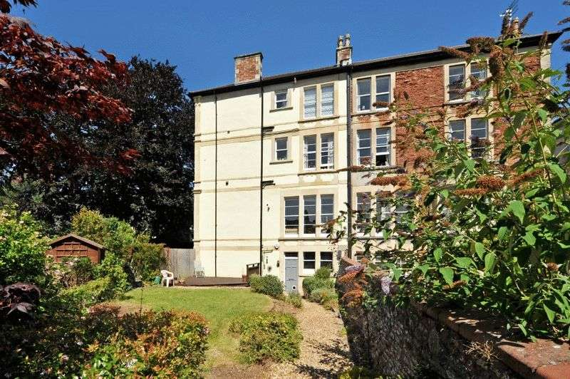 2 Bedrooms Flat for sale in Fernbank Road, Redland
