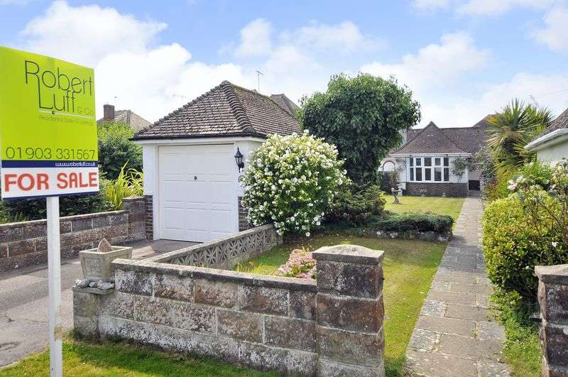 2 Bedrooms Bungalow for sale in Chalet Road, Ferring
