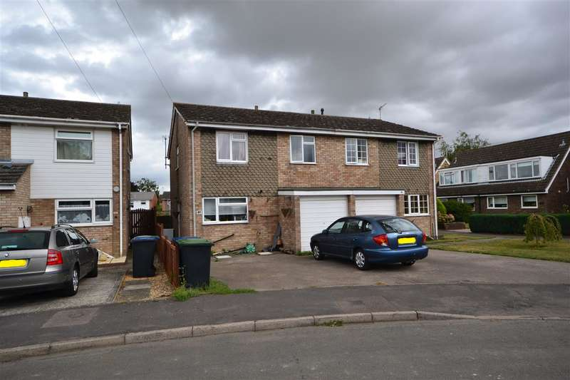 4 Bedrooms Semi Detached House for sale in Guntons Close, Soham