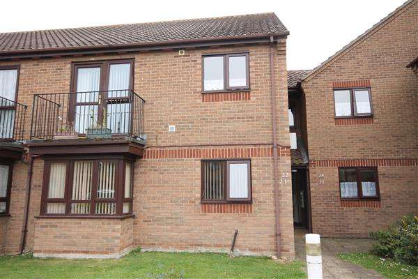 2 Bedrooms Apartment Flat for sale in Jack Branch Court, Wash Lane, Clacton on Sea