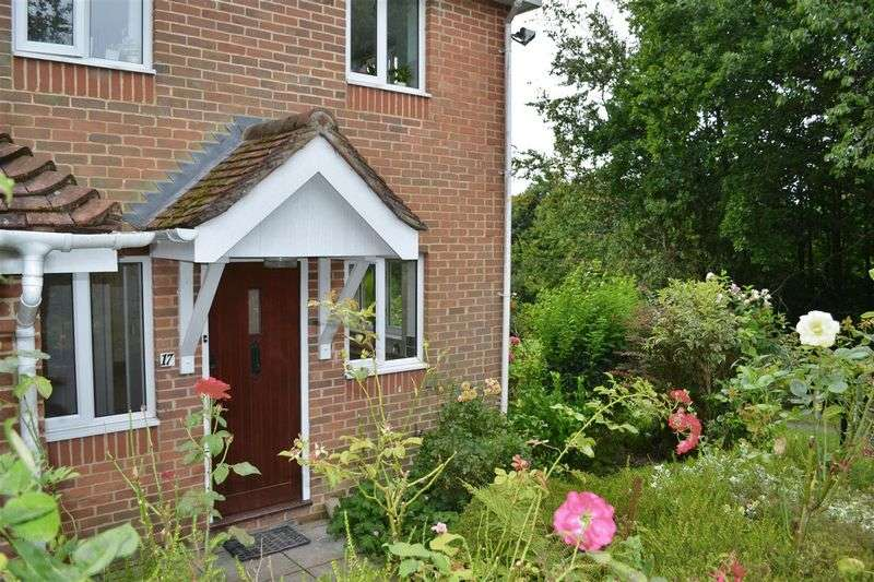 2 Bedrooms Retirement Property for sale in 17 Oaklea Court, High Street, Hartfield, TN7