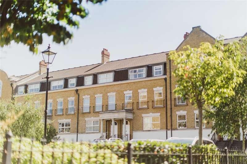 4 Bedrooms Terraced House for sale in Clearwater Place, Long Ditton, Surbiton, Surrey, KT6