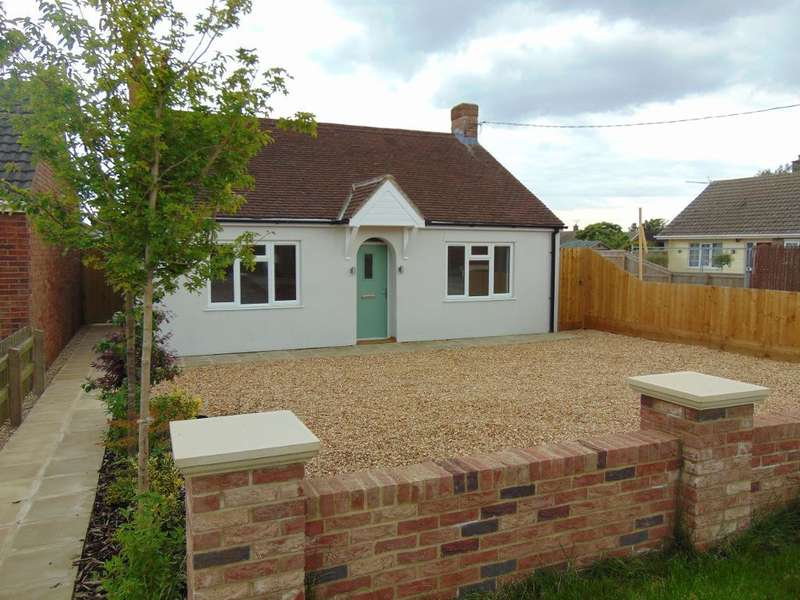 4 Bedrooms Detached Bungalow for sale in Gorefield Road, Leverington, Wisbech, Cambs, PE13 5AT