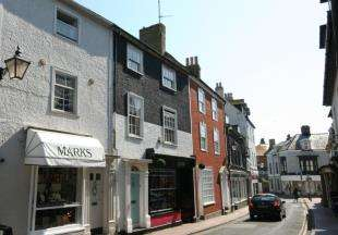 4 Bedrooms Terraced House for sale in High Street, Seaford, East Sussex