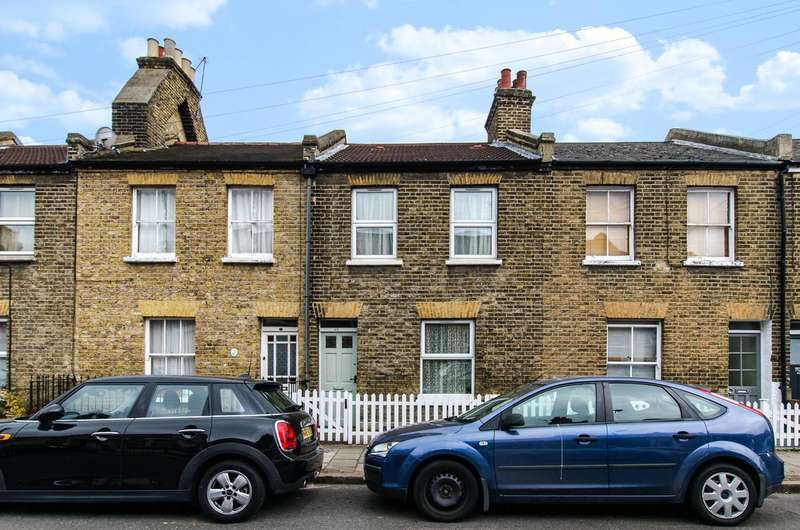 3 Bedrooms House for sale in Leverson Street, Streatham Park, SW16