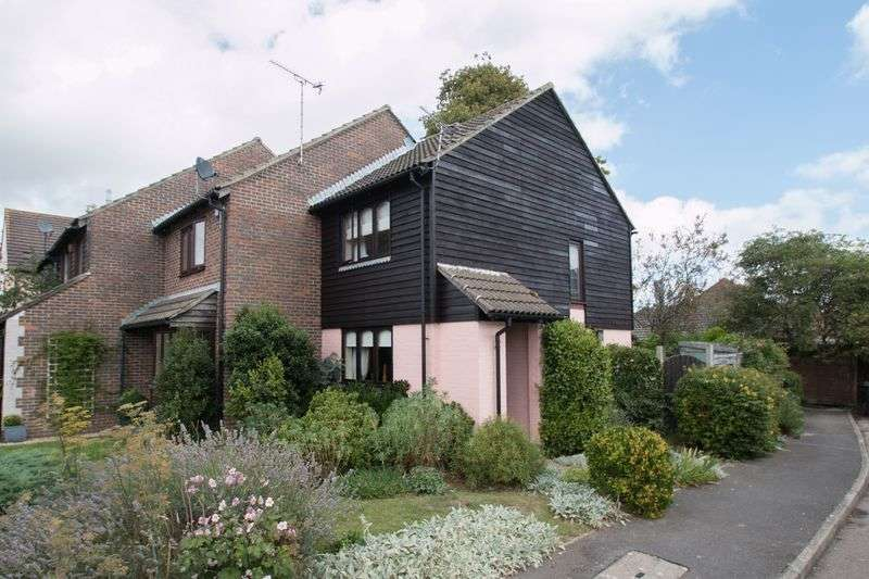 1 Bedroom Terraced House for sale in Whitebeam Way, Tangmere