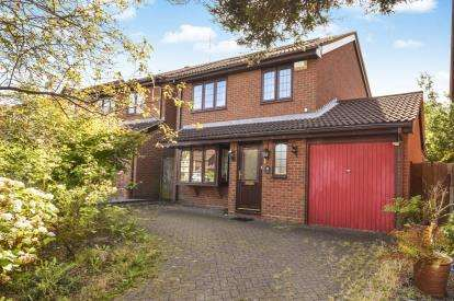 3 Bedrooms Detached House for sale in Bishops Way, Sutton Coldfield, West Midlands