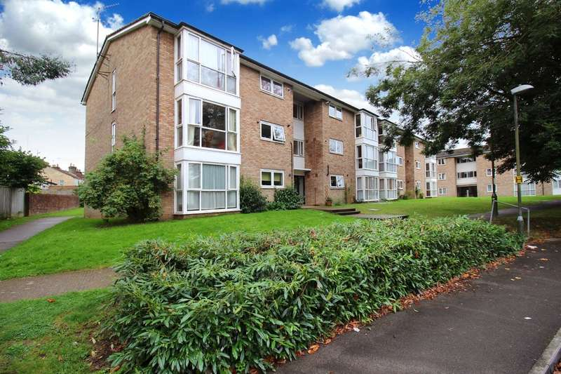 2 Bedrooms Flat for sale in Kennedy Road, Horsham