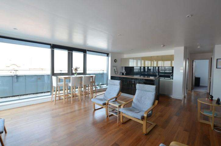 2 Bedrooms Apartment Flat for sale in Waterside 10 William Jessop Way, Liverpool, L3